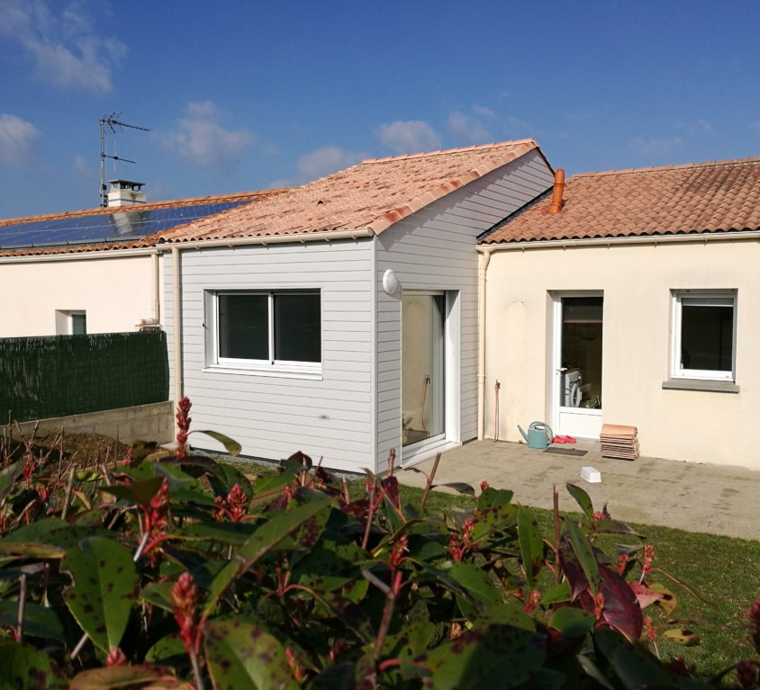 Extension bois de 34 m² à Montaigu (Vendée, 85)