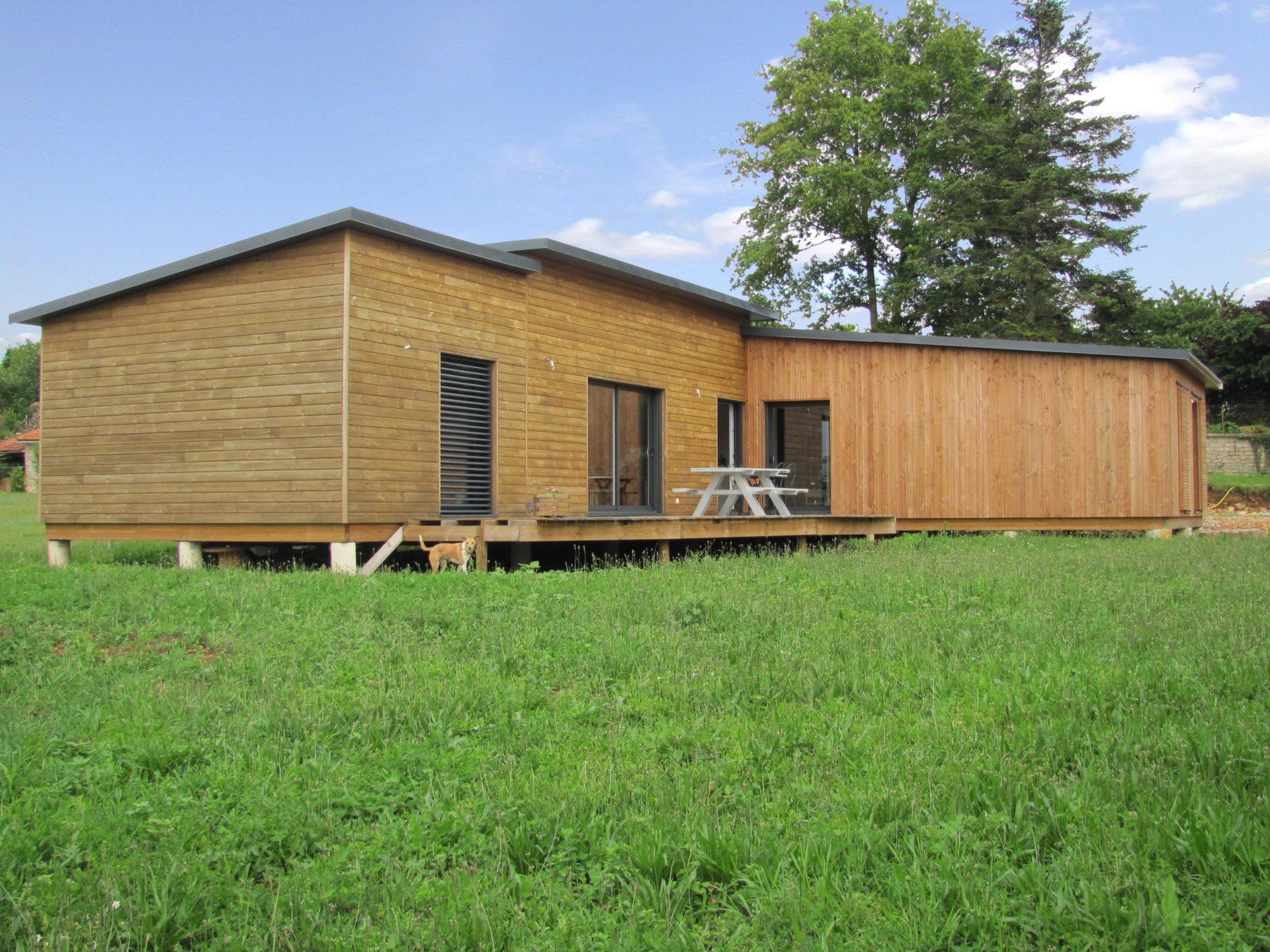 ma maison bois maison bois de m la roche sur yon vende maison bois de m gorges loire. Black Bedroom Furniture Sets. Home Design Ideas