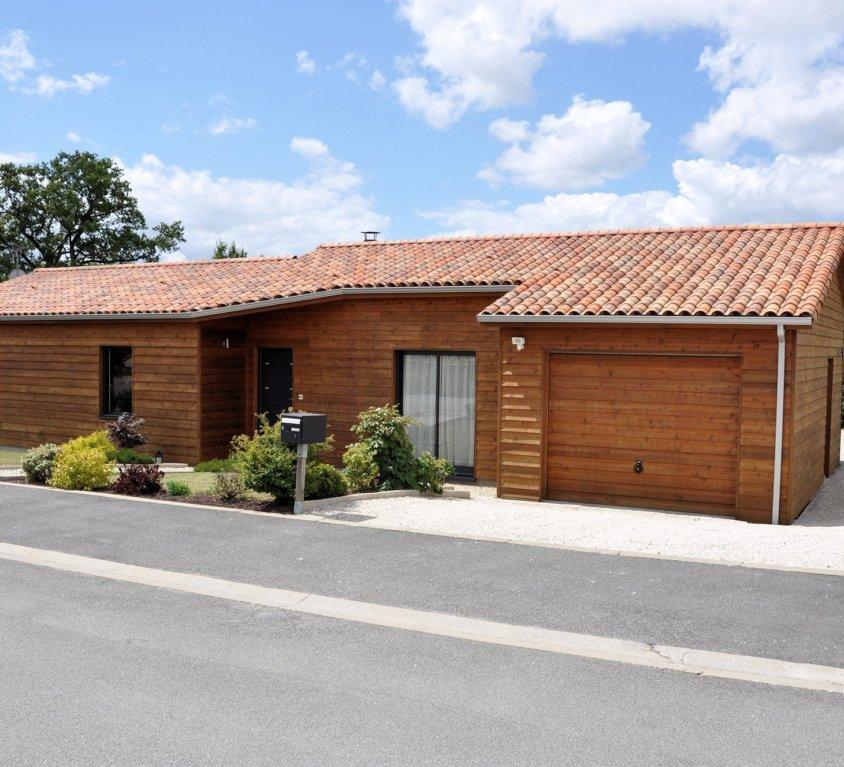 Maison bois de 98 m² à La Chaize le Vicomte (Vendée, 85)